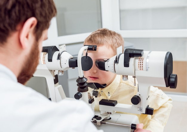 Synoptofor. leczenie zeza. test zezowy. ortoptyki.