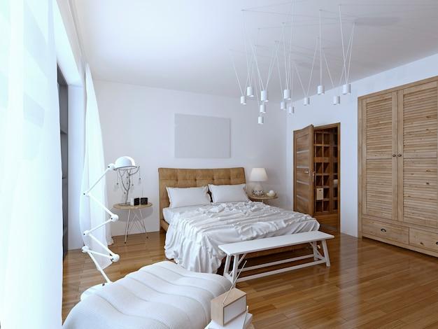 Sypialnia w nowoczesnym stylu z wystarczającą ilością miejsca obok łóżka na szafki nocne.