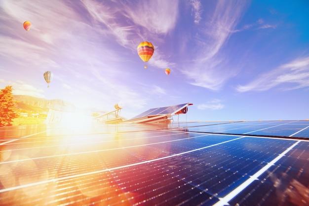 System energii odnawialnej z panelem słonecznym do ciepłej wody