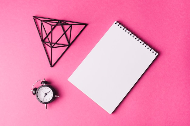 Szablon notatnik z koncepcją kreatywności