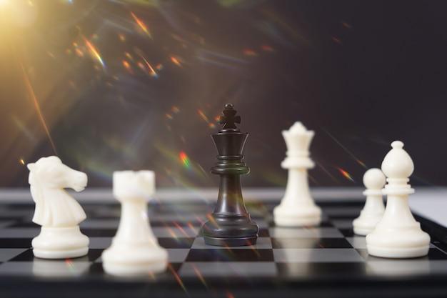 Szachowa gra planszowa dla pomysłów i konkurencji i strategii, koncepcja sukcesu w biznesie