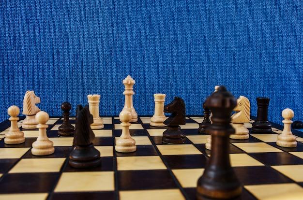 Szachy na szachownicy gra