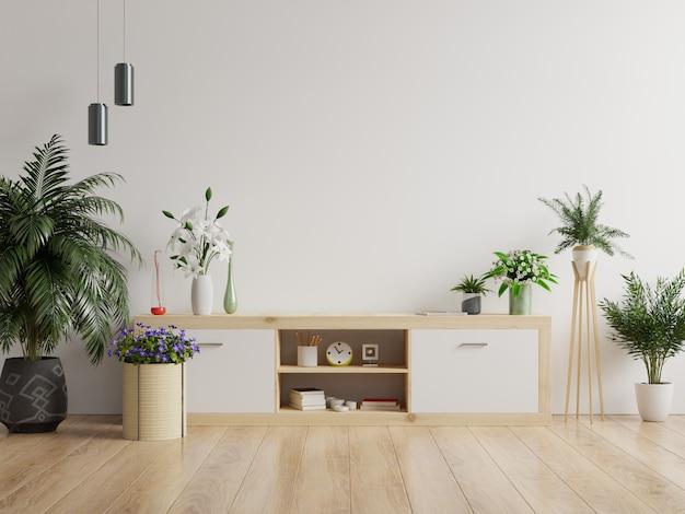 Szafki i ściana do telewizora w salonie, makieta biała ściana.
