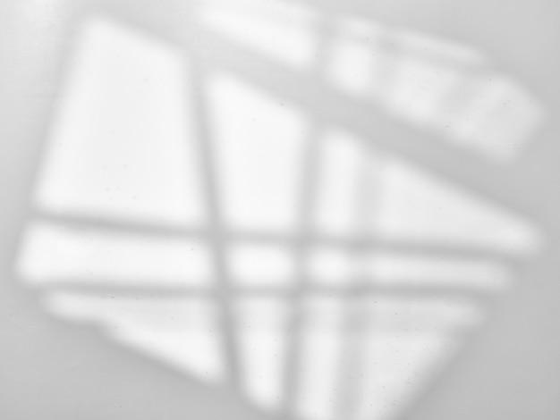 Szara nakładka tekstura ze światłem okna