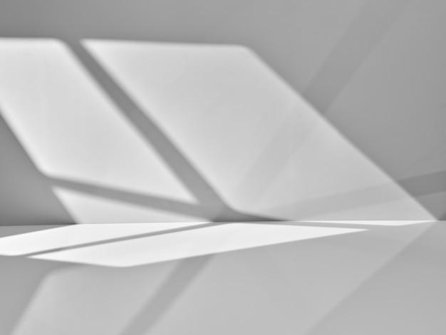 Szare tło ze światłem z okna do prezentacji produktu