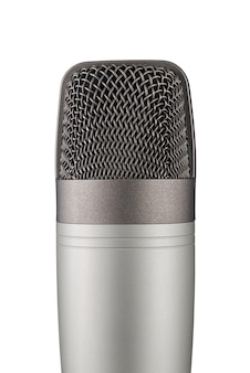 Szary studyjny mikrofon pojemnościowy na białym tle. zbliżenie