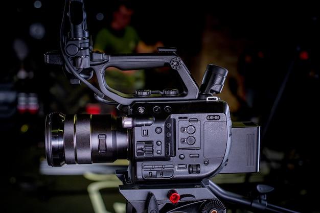 Szczegół profesjonalnego wyposażenia kamery, studio produkcji filmowej