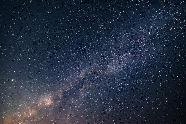 Szczegół z drogi mlecznej z polem gwiazd