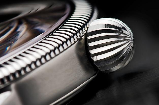 Szczegółowo makro luksusowego zegarka na rękę