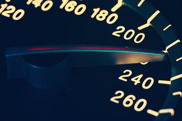 Szczegóły Igły Licznika Kilometrów Lub Prędkościomierza Samochodu Z Dużą Prędkością Premium Zdjęcia