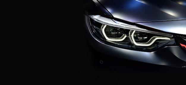 Szczegóły na jednym z reflektorów led nowoczesnej przestrzeni samochodowej