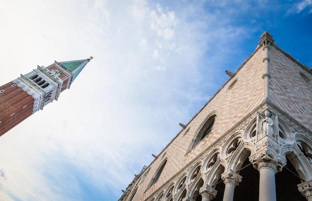 Szczegóły najsłynniejszego zabytku wenecji - palazzo ducale