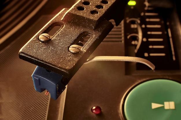 Szczegóły robótek z rocznika gramofonu z obiektywem makro.