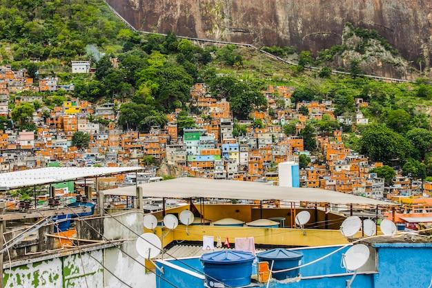 Szczegóły rocinha favela w rio de janeiro, brazil -