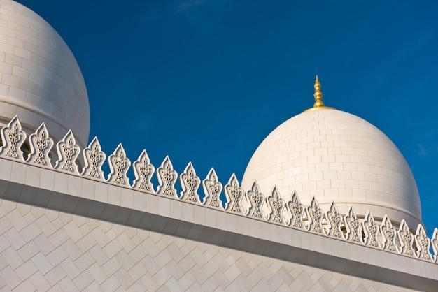 Szczegóły słynnego meczetu szejka zayeda w abu dhabi, zjednoczone emiraty arabskie