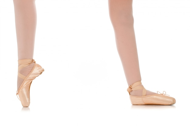 Szczegóły stóp tancerza baletu