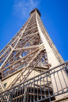 Szczegóły wieży eiffla, paryż, francja