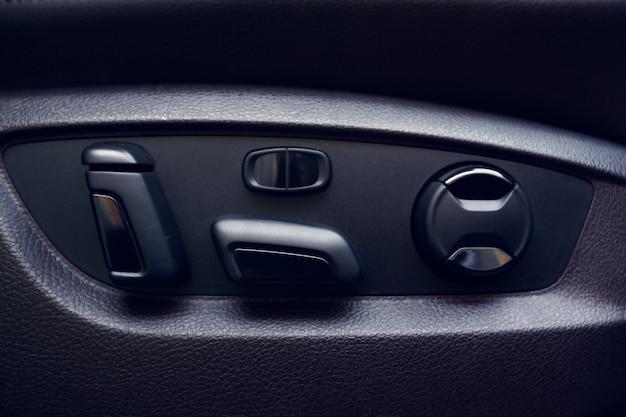 Szczegóły wnętrza nowoczesnego samochodu