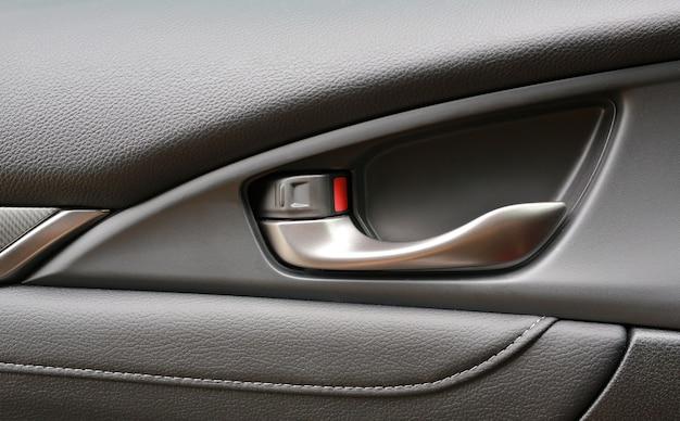 Szczegóły wnętrza uchwyt drzwi samochodu