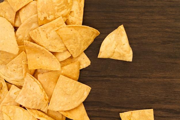 Szczelnie-do góry widok chipsy z tortilli