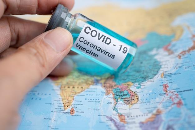 Szczepionka na koronawirusa covid19 na mapie azji medyczna dla lekarza