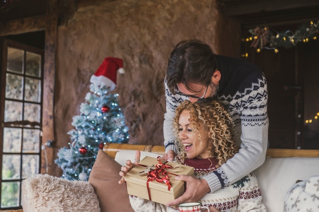 Szczęście i święta bożego narodzenia w domu