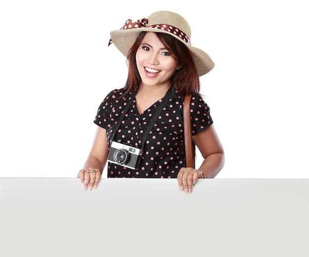 Szczęśliwa Dziewczyna Idzie Na Wakacje Premium Zdjęcia