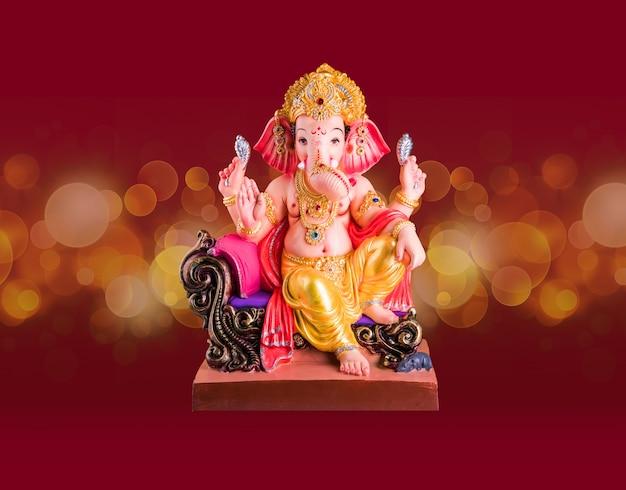 Szczęśliwa kartka z życzeniami ganeśćaturthi wykorzystująca zdjęcie pana ganapati idol