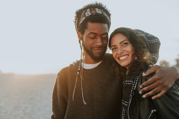 Szczęśliwa para na plaży?