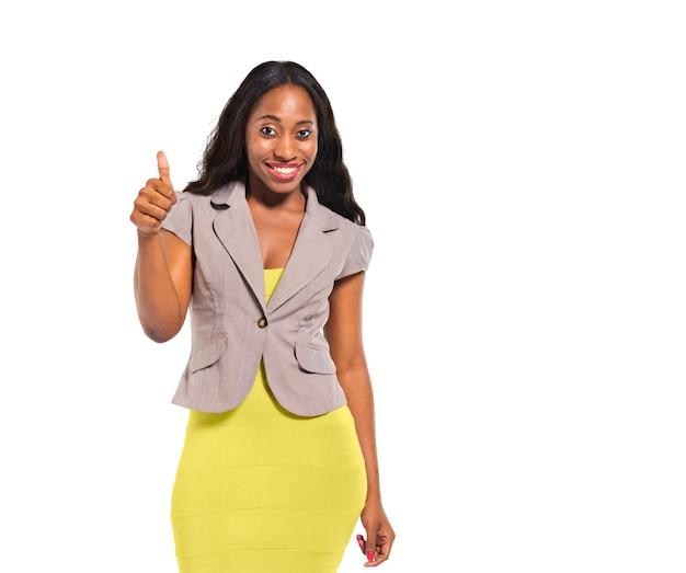 Szczęśliwe afrykańskie kobiety pokazujące kciuk w górę