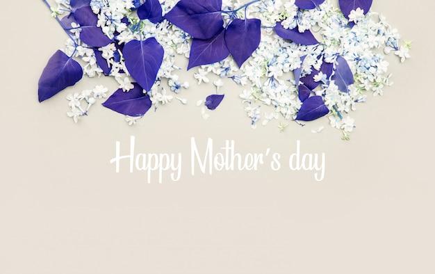 Szczęśliwego dnia matki. kwiaty bzu i liście w odcieniach.