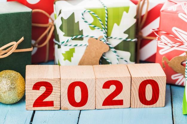 Szczęśliwego nowego roku 2020 wakacje. wesołych świąt
