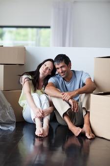 Szczęśliwi kochankowie rusza się dom