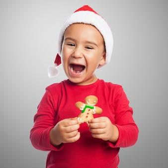 Szczęśliwy chłopiec z piernika