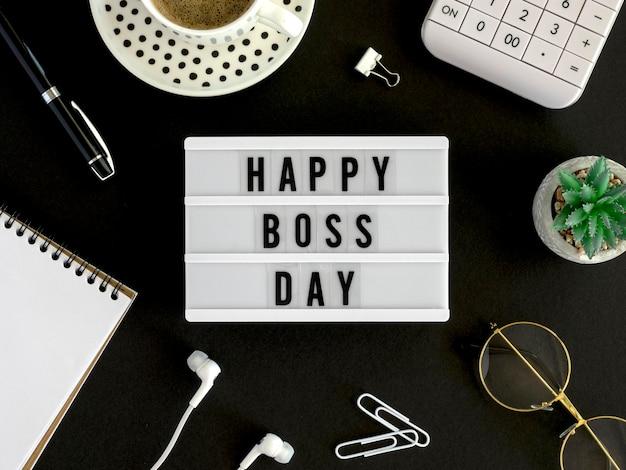 Szczęśliwy dzień szefa na lekkim pudełku