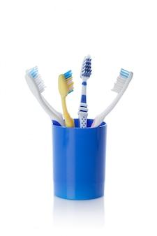 Szczoteczka do zębów na białym tle