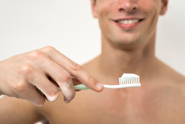 Szczoteczka do zębów z pastą do zębów