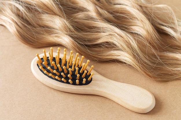 Szczotka grzebieniowa do włosów blond i falistych