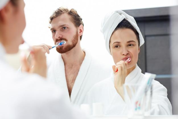 Szczotkowanie zębów