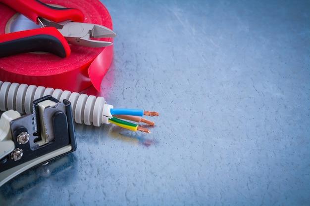 Szczypce do kabli ochrony przewodów elektrycznych ściągacze izolacji taśma klejąca copyspace