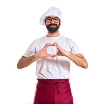Szef kuchni dokonanie serca z jej rąk