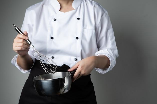 Szef kuchni z biczowania składnik mieszania żywności narzędzia