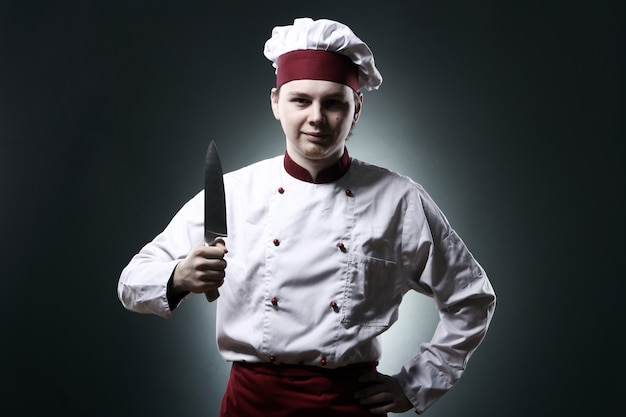 Szef kuchni z nożem