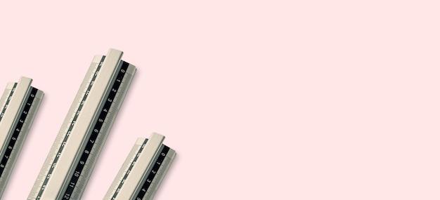 Szeroki baner linijki