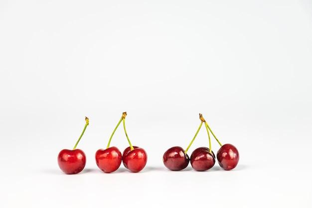 Sześć smaczne czereśnie