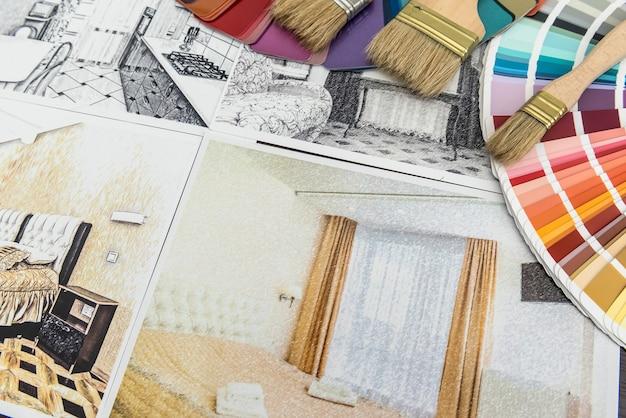 Szkic projektu domu z narzędziami do naprawy i planami do renowacji. rysunek architektoniczny wnętrza. próbnik kolorów