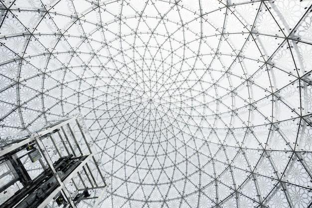 Szklana architektura sufitu