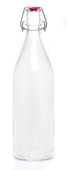 Szklana butelka z wahadłowym porcelanowym zamknięciem o pojemności 1 litra. bez etykiety i na białym tle.