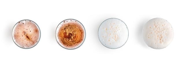 Szklanka lekkiego piwa na białym tle widok z góry