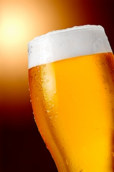 Szklanka piwa z beczki z bliska